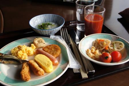 ホテルの朝食_1.jpg