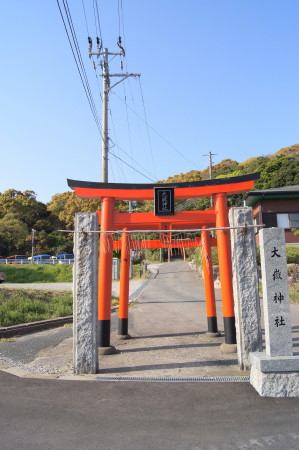 大嶽神社狛狐1_1.jpg